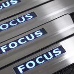 Накладки на пороги FORD  FOCUS 05-11