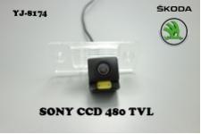 Штатная камера заднего вида для SKODA FABIA 2008-2011